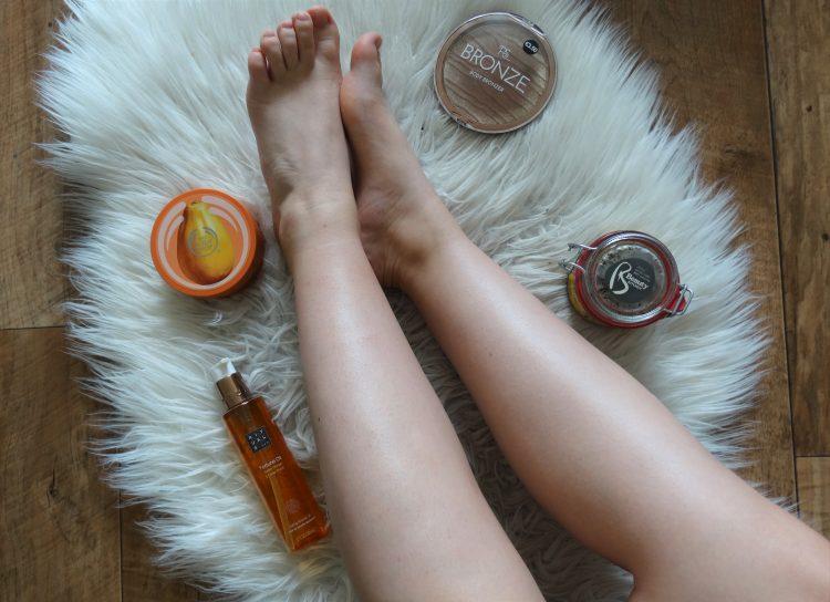 glanzende zachte benen